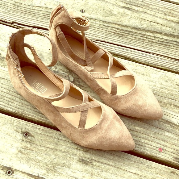 55496fe80e De Blossom Collection Shoes | Nwot Tan Suede Criss Cross Strappy ...